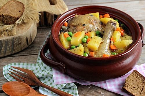 Курица под сырно-сметанным соусом